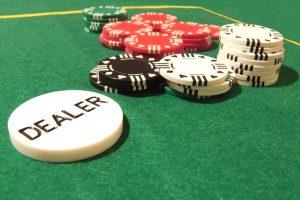 Что такое баттон в покере?