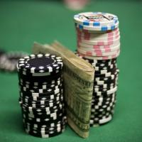 Бекинг в покере