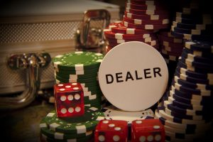 Кто такой дилер в покере?