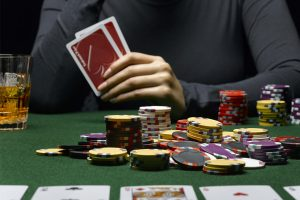 Что будет с онлайн покером в россии играть в игры казино i