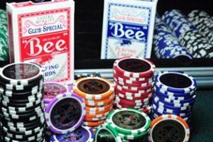 Для чего распечатывать покерные комбинации