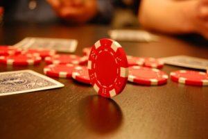 Играть на реальные деньги в Pokerstars