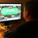 Играть в онлайн покер с реальными соперниками бесплатно