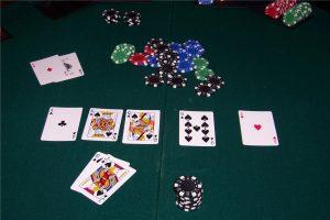 Что такое ривер в покере?