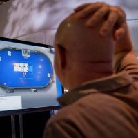 Тимплей в покере